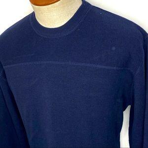 Vintage Woolrich Men's Navy Blue Crewneck Sweater